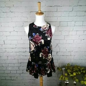 NWT Ginger G floral velvet top with peplum